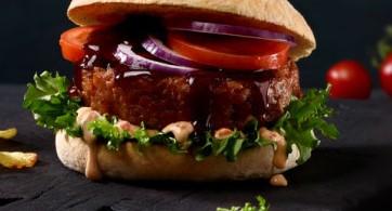 Naturli` Burger 150 g.          Plantebasert burger som både smaker digg og ser ut som en skikkelig god burger.